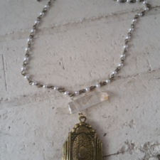 Vintage Pearl & Locket Necklace